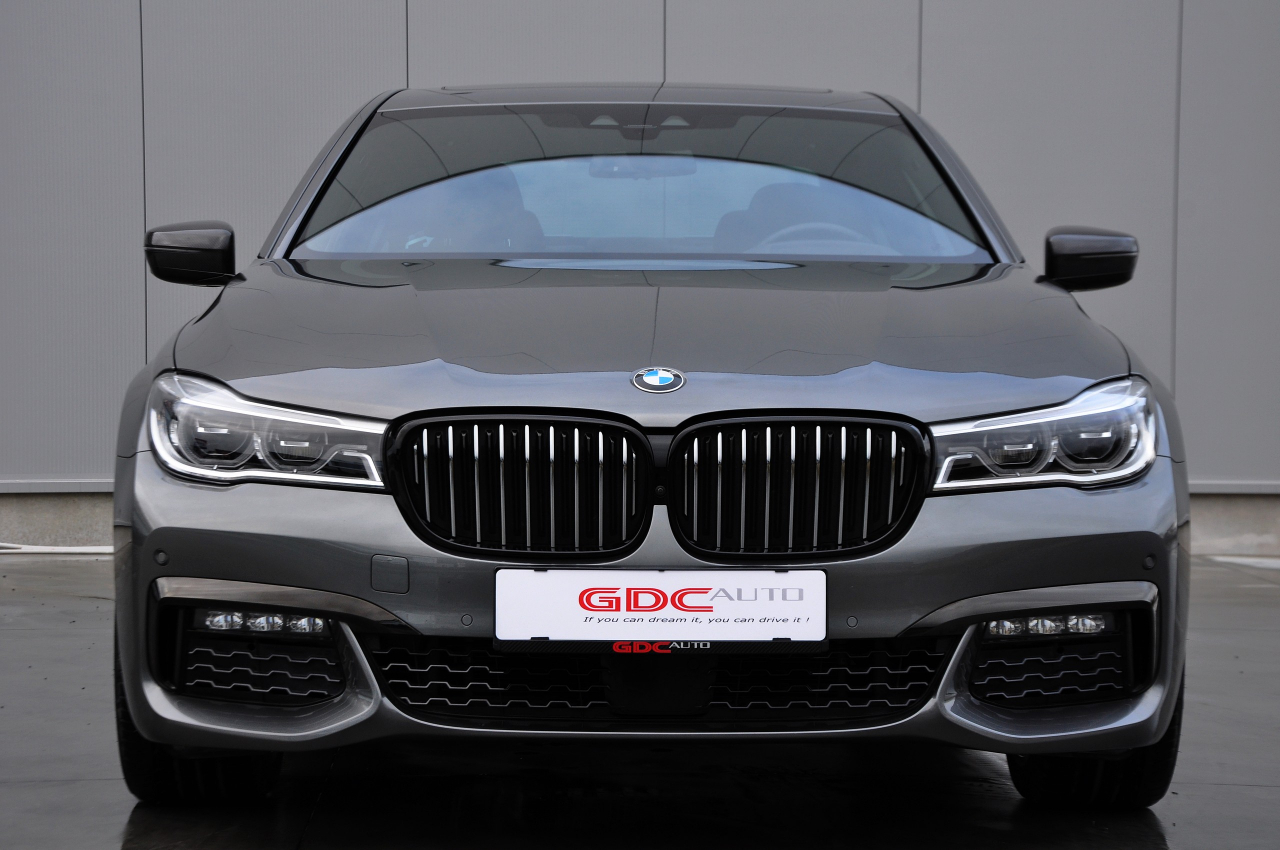 GDC Auto BMW 740  HYBRID / M PACK / FULL OPTION!!!
